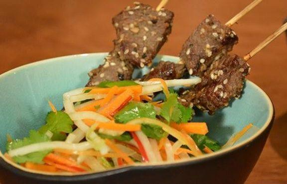 Sate Daging Rusa dengan Acar Salad