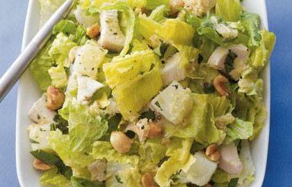Salad Ayam dengan Kacang Tanah