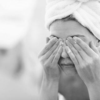 Bagaimana Cara Membuat Pencuci Wajah Sendiri