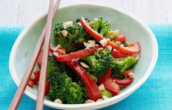 Tumis Brokoli Paprika dan Kacang
