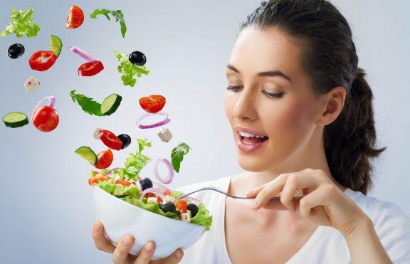 Makanan Mentah Dapat Membuat Anda Lebih Cantik