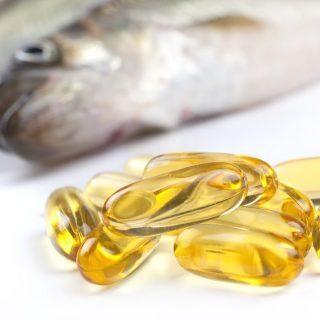 Minyak Ikan: Haruskah Kita Mengkonsumsinya?