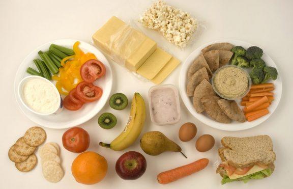 Berapa Banyak Cemilan Yang Bisa Dimakan Dalam Sehari Untuk Menurunkan Berat Badan?