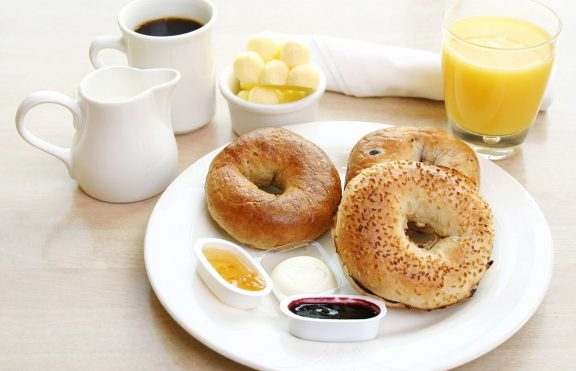 Alasan Untuk Sarapan Makanan Berprotein