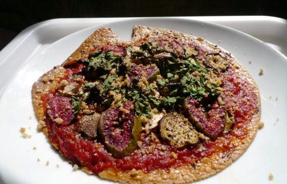 Pizza Terong dan Buah Ara