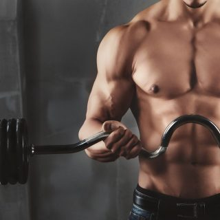 5 Kesalahan Pria Saat Berolahraga Angkat Besi