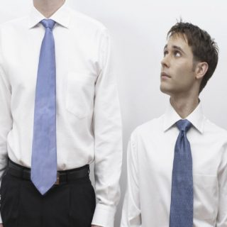 5 Tips Yang Bisa Membuat Pria Terlihat Lebih Tinggi