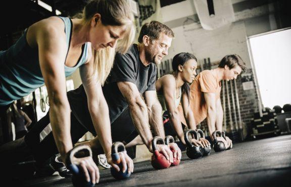 4 Kunci Untuk Membangun Kekuatan Dan Massa Otot