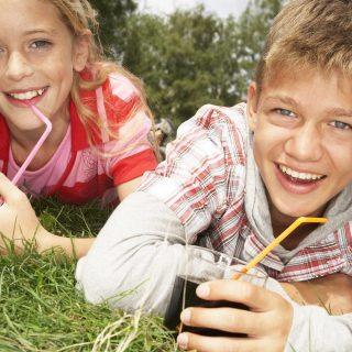 Bolehkah Anak-Anak Meminum Minuman Bersoda?