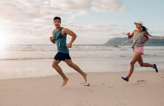 Tips Berlari Di Pantai Dan Latihan Pendukungnya