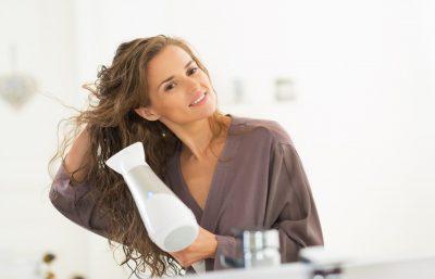 Kesalahan Umum Yang Mungkin Anda Buat Saat Menggunakan Blow Dryer