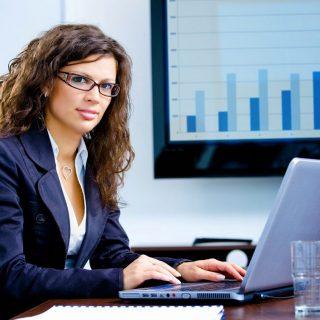 Tips Gaya Rambut Chic Yang Mudah Dan Cepat Untuk Wanita Bekerja