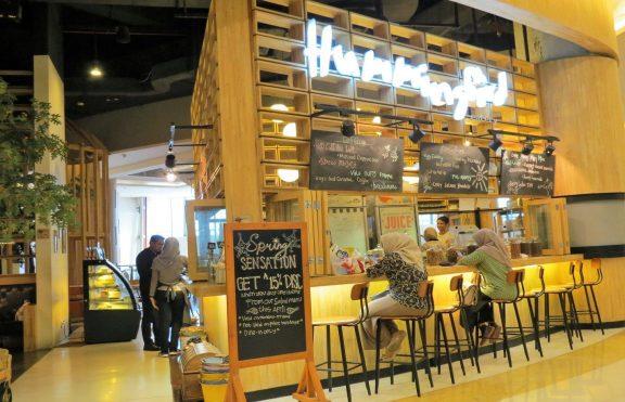 Hummingbird Eatery: Restoran Cozy Bernuansa Sangkar Burung