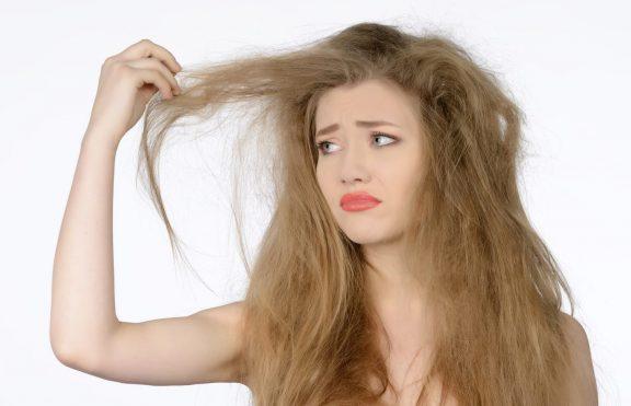 Kebiasaan Mencabut Rambut Bisa Merugikan Diri Anda?
