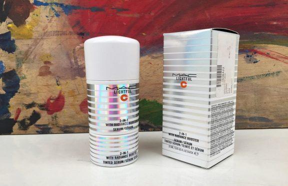 Review MAC Lightful C 2-in-1 Tint And Serum With Radiance Booster: Serum Dan Tinted Moisturizer Dalam Satu Botol