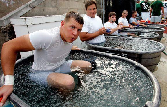 Mengejutkan! Inilah Efek Mandi Es Untuk Otot Anda!