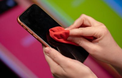 Apakah ponsel-mu juga harus di disinfeksi seperti tangan?