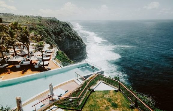 The Edge Bali Uluwatu – Living in Luxury