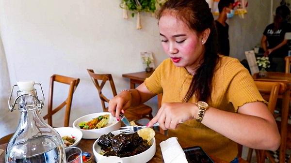 Tanau Restaurant